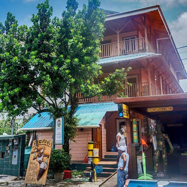 waterfront-business-for-sale-bocas-town-bocas-del-toro-panama-real-estate