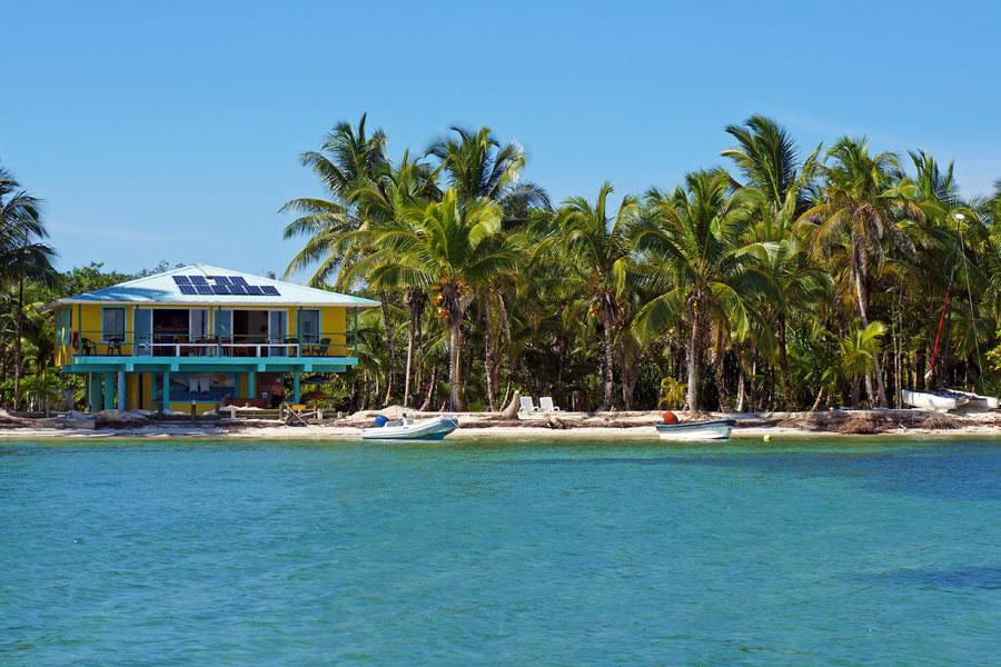 beachfront-home-for-sale-bocas-del-toro-4